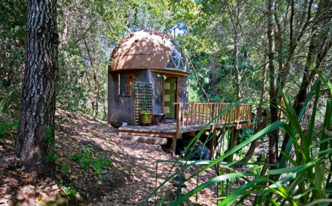 An exterior view of the Mushroom Dome Cabin in Aptos, California. (Airbnb)