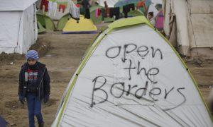 EU Leaders to Press Turkey, Back Greece at Migrant Summit