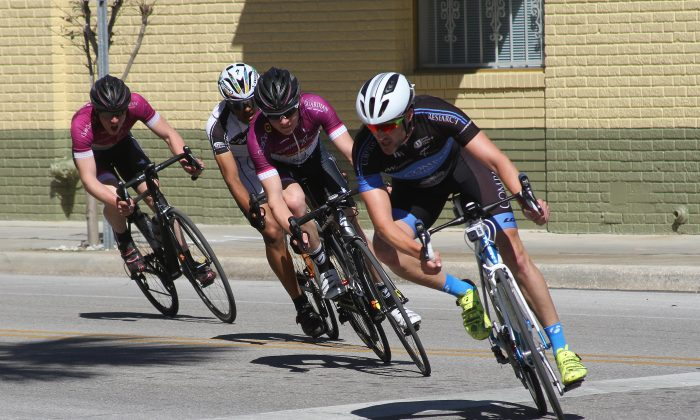 The Chain of Lakes Cycling Classic brought the excitement of bicycle racing to downtown Winter Park. (Chris Jasurek/Epoch Times)