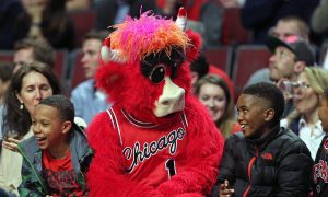 E'Twaun Moore: Video Shows Boy Cheering as Bulls Guard Sinks Free Throws to Win McDonald's for Fans