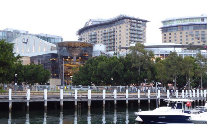 Sydney Lawyer Full of Praise for Shen Yun
