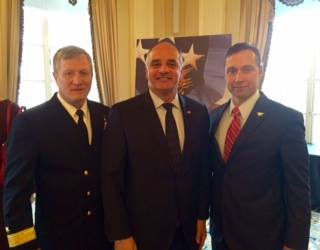 Rear Admiral Timothy Szymanski (L), leader of all 2,500 active USN SEALs, Joint Special Operations Command; and Britt Slabinski (R), command master chief, ret. (USN SEALs), recipient of the Navy Cross for extraordinary heroism in combat from the U.S. president; with Vincent J. Bove (C) at the ASIS International NYC Chapter luncheon on Mar. 4, 2016. (Courtesy of Vincent J. Bove Publishing)