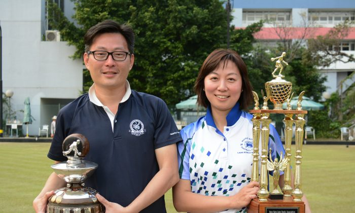HAPPY FACES – Kevin Fung (left) and Dorothy Yu proudly became the two new winners at the National Champion of Champions Singles after prevailing in the finals at Filipino Club last Sunday, March 6, 2016. (Stephanie Worth)