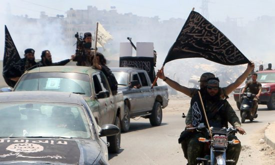 Al-Qaida Seizes Weapons, Bases From US-backed Syrian Rebels