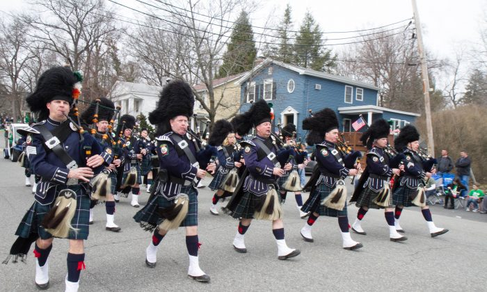 The Pipes and Drums of the Orange County Ancient Order of Hibernians, Division One in the Mid-Hudson Saint Patrick's Parade in Goshen on March 13, 2016. (Holly Kellum/Epoch Times)