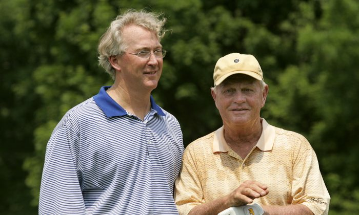 Jack Nicklaus (R) stands with Aubrey McClendon of Chesapeake Energy Corporation during the Morgan Stanley Pro-Am Invitational at The Memorial Tournament May 30, 2007. (Hunter Martin/Getty Images)