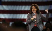 Sarah Palin Could Join Trump Administration as Secretary of Veterans Affairs: Report