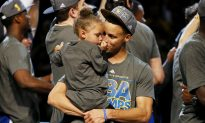 Riley Curry: Video Shows Stephen Curry's 3-Year-Old Daughter Singing 'Happy Birthday' to Her Father