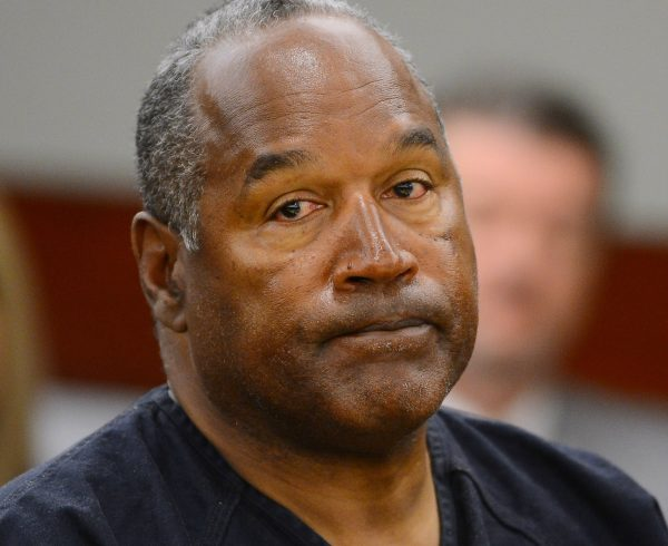 O.J. Simpson appears at an evidentiary hearing in Clark County District Court on May 17, 2013 in Las Vegas, Nevada. (Photo by Ethan Miller/Getty Images)