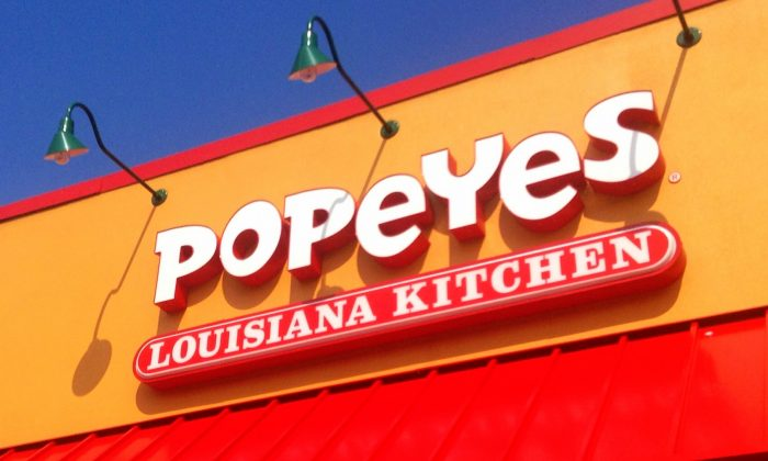 Popeye's Louisiana Kitchen, Popeyes Chicken and Biscuits Sign. (Mike Mozart/CC BY 2.0)