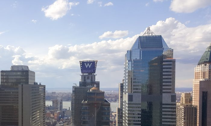 A view of the W Hotel in Midtown Manhattan on Mar 17, 2016. (Epoch Times)