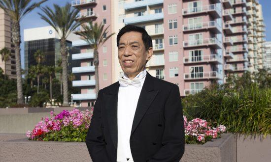 Guan Guimin, Shen Yun's Celebrated Tenor, Sings to Awaken Our Conscience