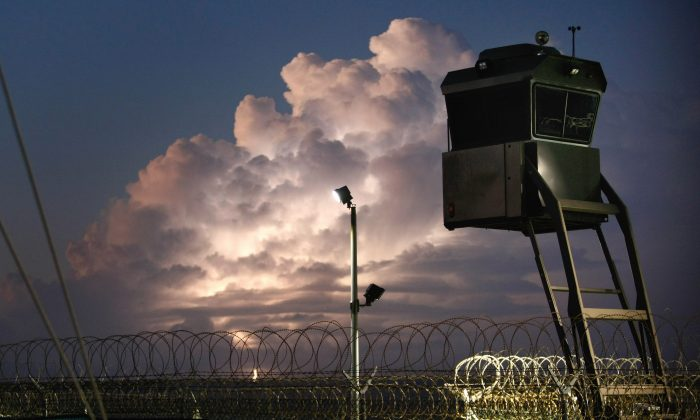 "A mobile guard tower at the U.S. military prison for ""enemy combatants"" in Guantánamo Bay, Cuba, on Oct. 28, 2009. (John Moore/Getty Images)"