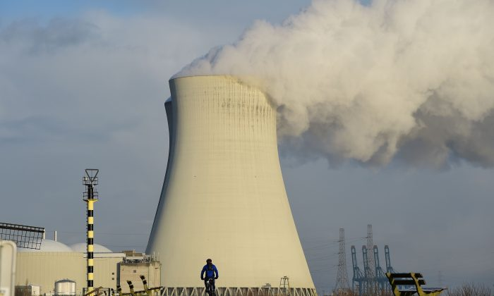 The cooling towers of Belgium's Doel nuclear plant on January 12, 2016 (EMMANUEL DUNAND/AFP/Getty Images)