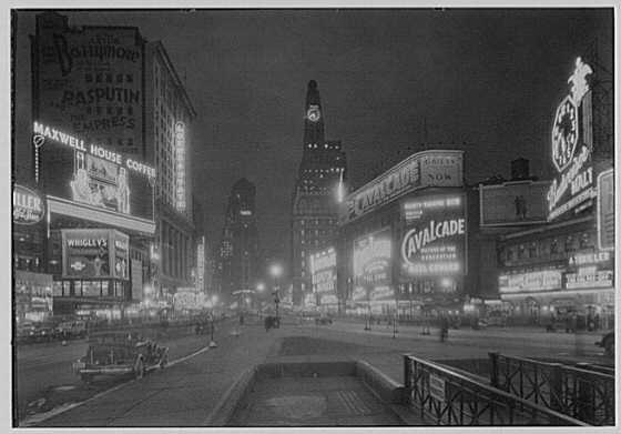 Feb 7 1933 Gottscho, Samuel H. (Samuel Herman), 1875-1971, photographer. New York city views. Times Square to south at night. (Library of Congress)