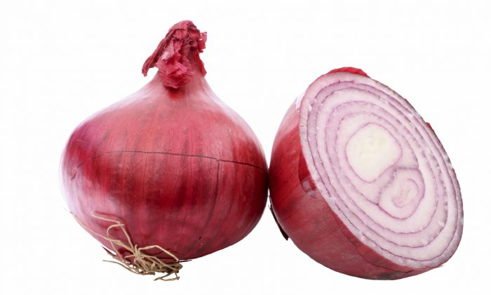Are Leftover Onions Poisonous Viral Warning Calls It A Sponge For Bacteria
