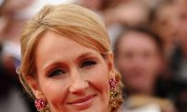 JK Rowling Shares Rejection Letters on Twitter