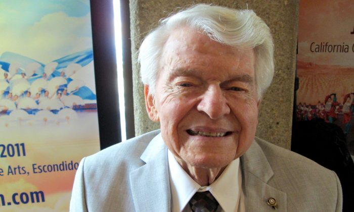 Shen Yun Performers Are 20 out of 10, Says Retired Clergyman