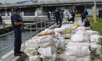 Video: Navy Intercepted Mini-Submarine With $200 Million of Cocaine