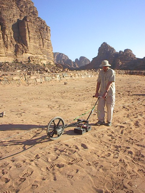 Ground penetrating radar survey of an archaeological site in Jordan. (Archaeo-Physics LLC/wikimedia)