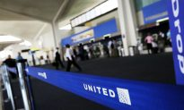 Arab-American Family Escorted Off United Airlines Flight