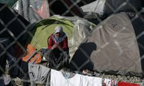 First Migrants Deported From Greece to Turkey