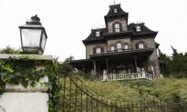 Horror in Disneyland Paris Haunted House; 45-year-old Employee Found Dead