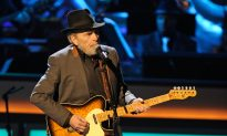 Dolly Parton and Other Country Stars Pay Tribute to Merle Haggard