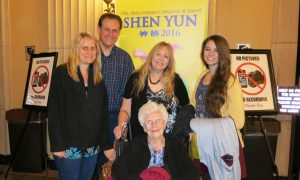 Educator Finds Shen Yun 'Meaningful and Touching'
