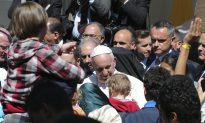 Pope Brings 12 Syrian Refugees to Italy
