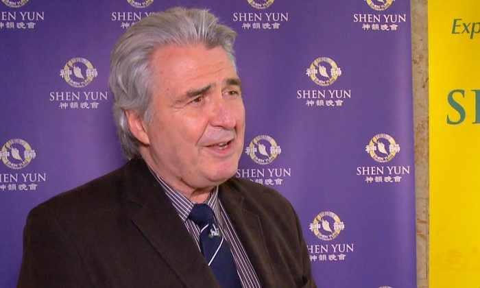 Conductor Kerry Stratton Commends Shen Yun's Orchestra