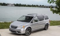2016 Chrysler Town & Country Touring: Your Home Away from Home