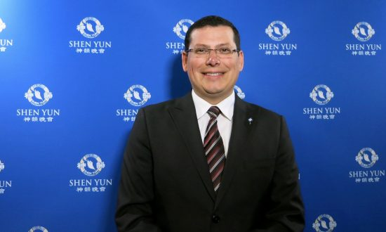 Southern California Public Servants Awed and Inspired by Shen Yun