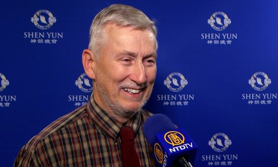 Bakersfield Mayoral Candidate Enjoys Shen Yun's Beautiful 'Cross-Cultural Experience'