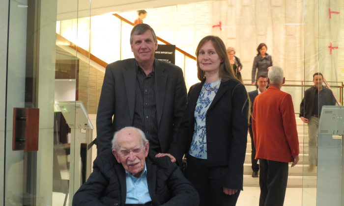 Company Director and Sister Celebrate Father's 97th Birthday At Shen Yun