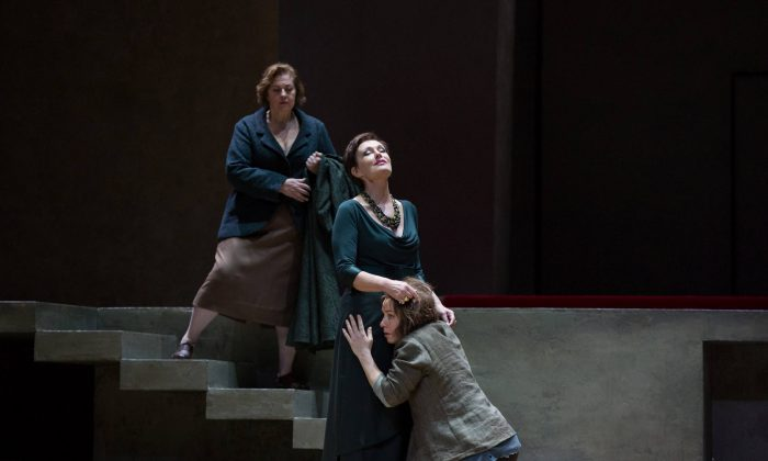 Waltraud Meier as Klytämnestra and Nina Stemme in the title role of Richard Strauss's Elektra. (Marty Sohl/Metropolitan Opera)