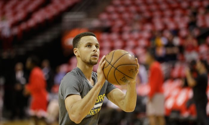 Stephen Curry hit a league-best 90.8 percent of his free throw attempts this season. (Bob Levey/Getty Images)
