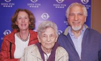 90-Year-Old Praises Life Lessons in Shen Yun