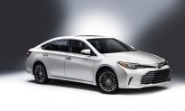 2016 Toyota Avalon Hybrid Limited: Let's Go Places