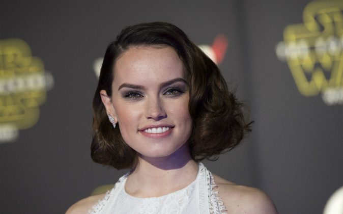 """Actress Daisy Ridley attends the World Premiere of """"Star Wars: The Force Awakens,"""" in Hollywood, Calif., on Dec. 14, 2015. (Valerie Macon/AFP/Getty Images)"""