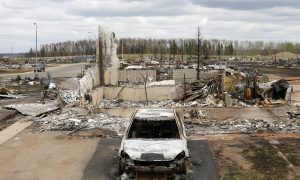 Fort McMurray Wildfire: Oil Industry Restarting but City to Remain Closed for Weeks