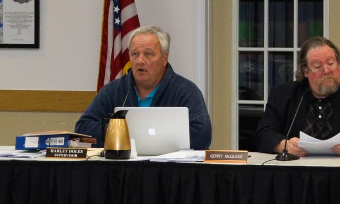 Public hearing on building moratorium in Monroe on April 4, 2016. (Yvonne Marcotte/Epoch Times)