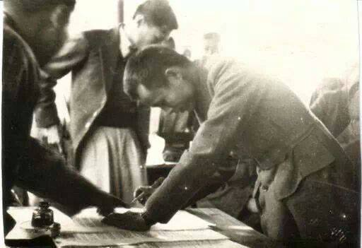 General Aung San signs the Panglong Agreement on Feb. 12, 1947. (Public Domain)
