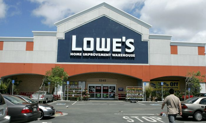 A Lowe's home improvement warehouse store is seen on May 22, 2006 in San Bruno, California. (Justin Sullivan/Getty Images)