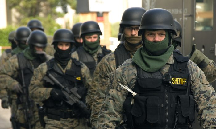 SWAT Team members prepare for the exercise on Oct. 27, 2009. (Oregon Department of Transportation/CC BY 2.0)