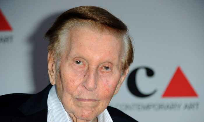Media mogul Sumner Redstone arrives at the 2013 MOCA Gala celebrating the opening of the Urs Fischer exhibition at MOCA, in Los Angeles, on April 20, 2013. (Richard Shotwell/Invision/AP)