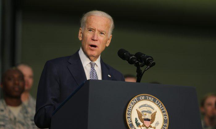 Joe Biden, the U.S. Vice President talks to the U.S. military personnel at an Air Base in United Arab Emirates.  (Kamran Jebreili, /AP/FilePhoto)