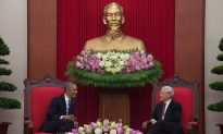 With Eye on China, Obama Strengthens Ties With Vietnam