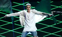 """Justin Bieber Sued For Stealing Vocal Riffs For """"Sorry"""""""