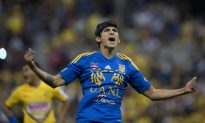 Soccer Player Alan Pulido Fights Off Kidnapper, Takes His Gun and Phone, Calls Police
